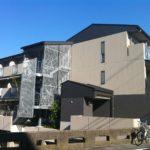【2022来春可☆】立命館大学正門徒歩11分 2010年築 オール電化☆重厚感あるエントランスが人気です